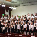 По традиции открывает церемонию вручения хор ДМШ № 1