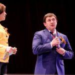 Глава города Алексей Шмыков и заместитель по социальной политике Главы Каменского городского округа Ирина Кырчикова